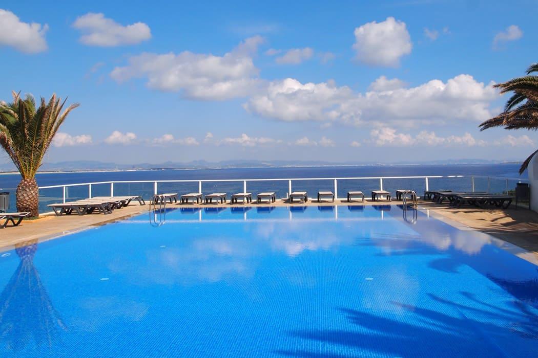 Hotel piscina agua salada Es PUJOLS